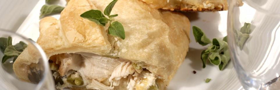 Куриные грудки, запеченные в тесте с сыром Милкана Tasty Fresh с прованскими травами и овощами