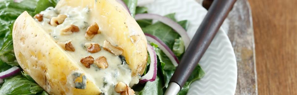 Картофель, запеченный  с голубым сыром Сэнт-Агюр